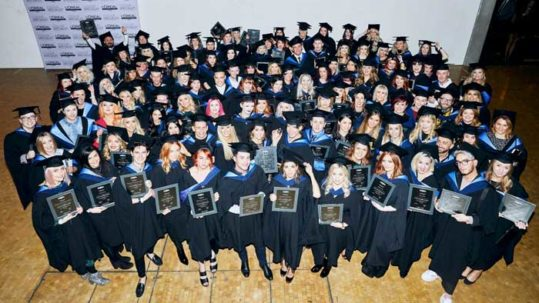 L'Oreal Professionnel Colour Specialists Graduate - Group