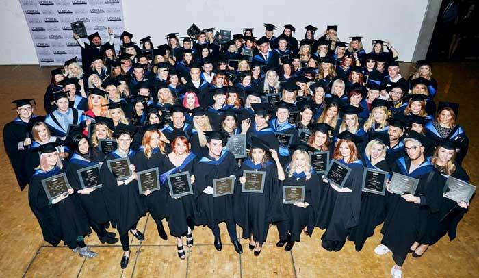 L'Oreal Professionnel Colour Specialists Graduate - Group